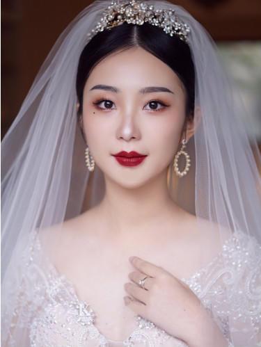 婚礼当天新娘分别要在哪些时间换礼服