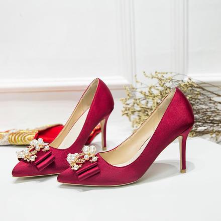 优雅大气双C珍珠扣蝴蝶结缎面高跟婚鞋
