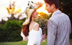 男士拍婚纱照怎么选衣服 男生婚纱照穿搭指南