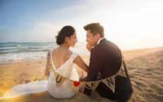 海边婚纱照的图片 学会这5个海边拍婚纱照姿势