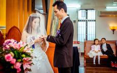 复古婚礼需要怎样来布置?