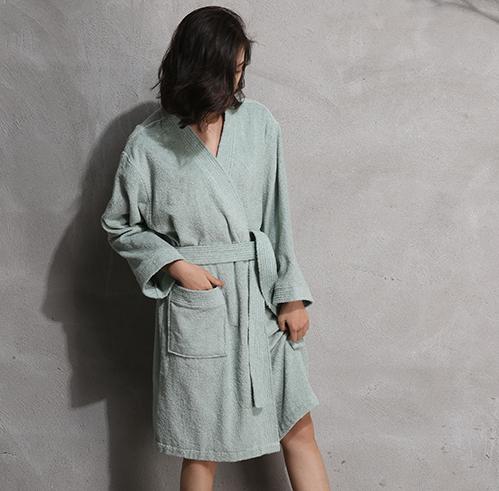 比较厚的浴袍