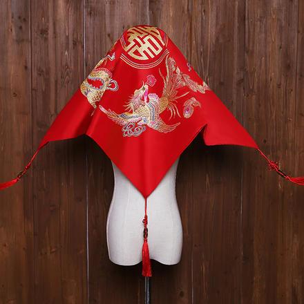 中式复古流苏秀禾服红盖头