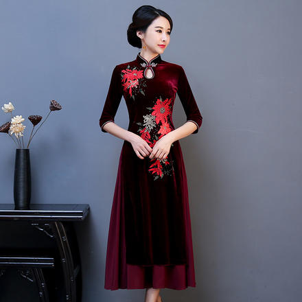 中国风刺绣长款金丝绒烫钻改良旗袍