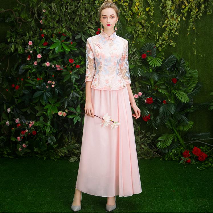 中式皮粉色伴娘服