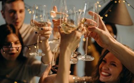 婚前单身派对什么时候办 婚礼前一夜千万别这么干!
