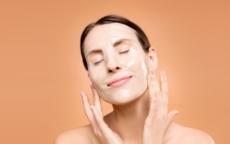敷面膜后正确护肤步骤是什么