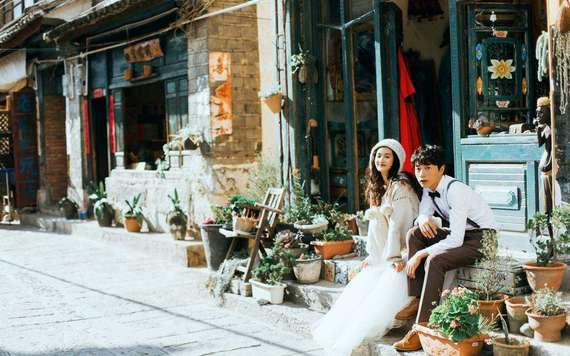 丽江拍婚纱照哪一家好 丽江拍婚纱照【价格、景点、准备】指南