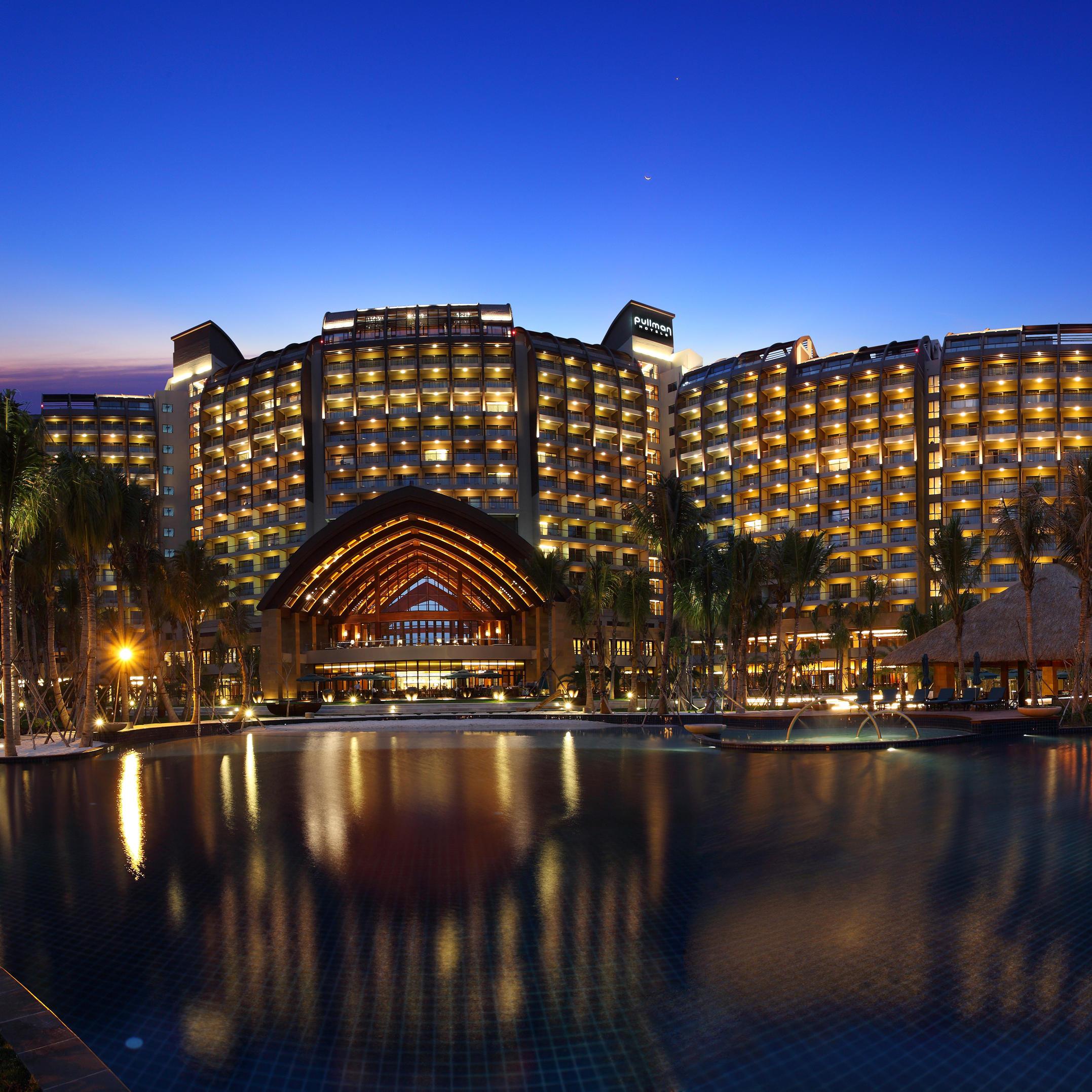 三亚湾海居铂尔曼度假酒店