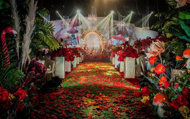 高端酒店婚礼跟拍摄影-探摄影首席摄影师
