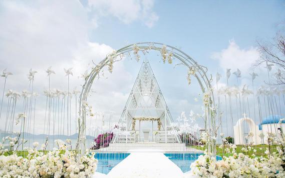 【活动】星级酒店两晚+布置+四大金刚+风车婚礼