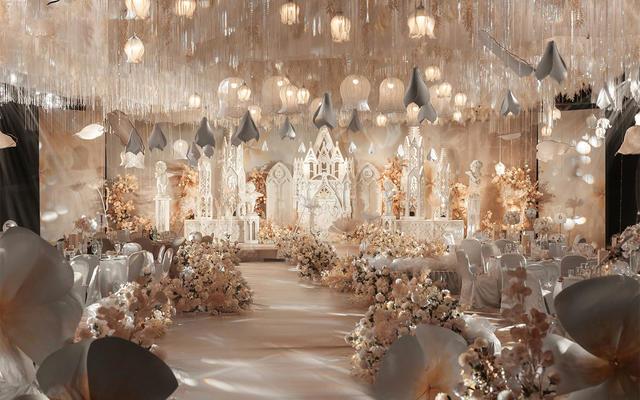 室内香槟色西式梦幻城堡风bob电竞首页