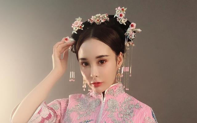 时尚粉色古装新娘格格系列