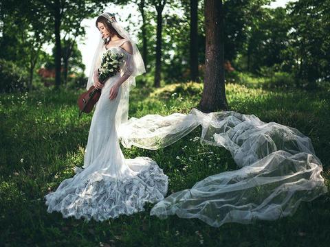 跨年特惠|8服8造|送万元结婚礼包|抢订春季档期