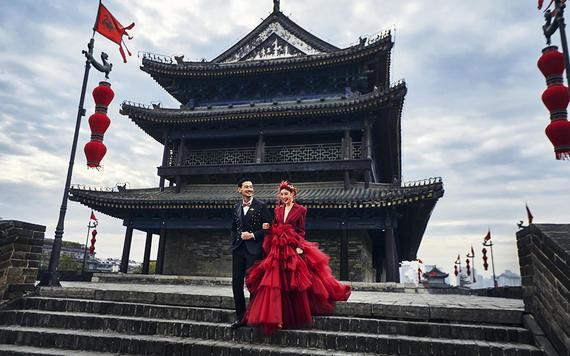 国粹潮拍婚纱照套系【12年口碑】新娘嫁衣三件免租
