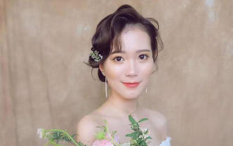 高级化妆师武汉市内午宴跟妆3造型时尚轻奢送妈妈妆