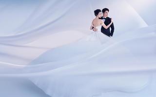 新疆梦巴黎婚纱摄影