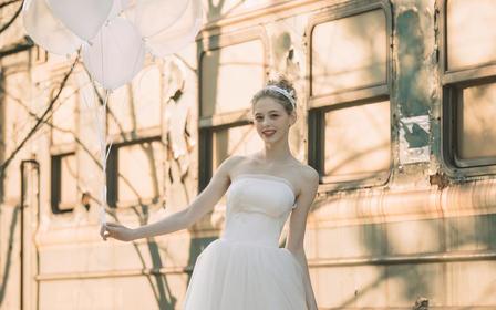 针记婚纱 缎加纱精致出门纱 柏荷