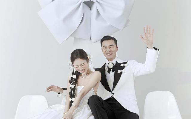 不喜欢跟风,婚纱照选择了简单干净的韩式