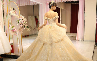 【优雅高贵】尊贵婚纱3件套+全程跟妆+送高端头纱