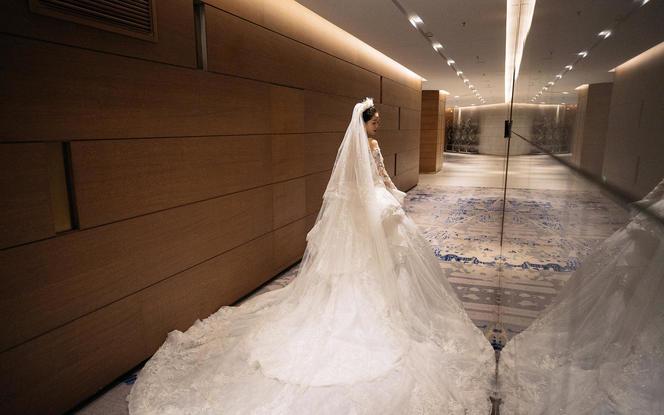 黎巴嫩高定长袖宫廷婚礼婚纱