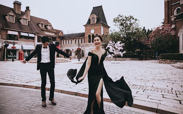 名人婚纱【布拉格小镇】-ins街拍-轻复古风