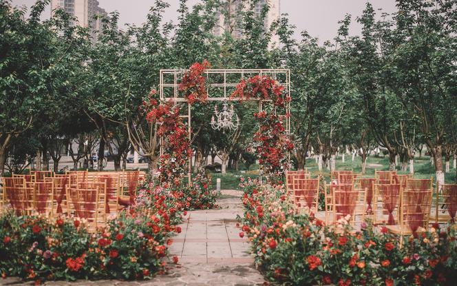 户外红金复古奢华主题婚礼