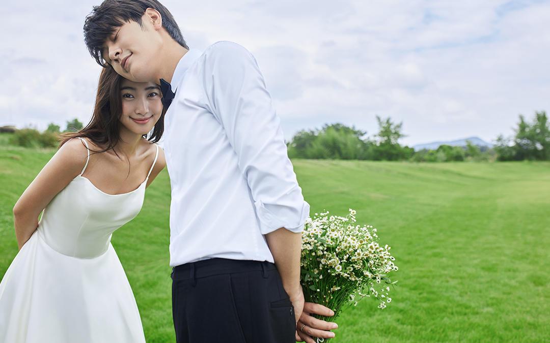 新品发布丨内外景双拍+不满意重拍 唯美清新婚纱照