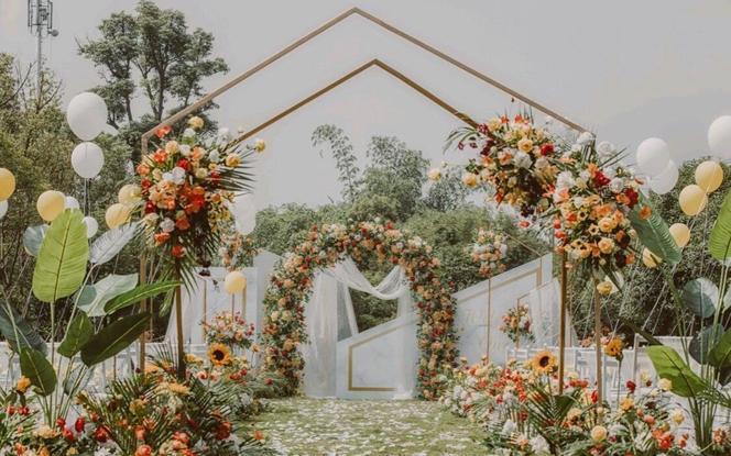【一价全包】一场浪漫到爆的草坪婚礼