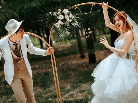 限时特惠体验套餐【ins婚礼风】🌸10服10造