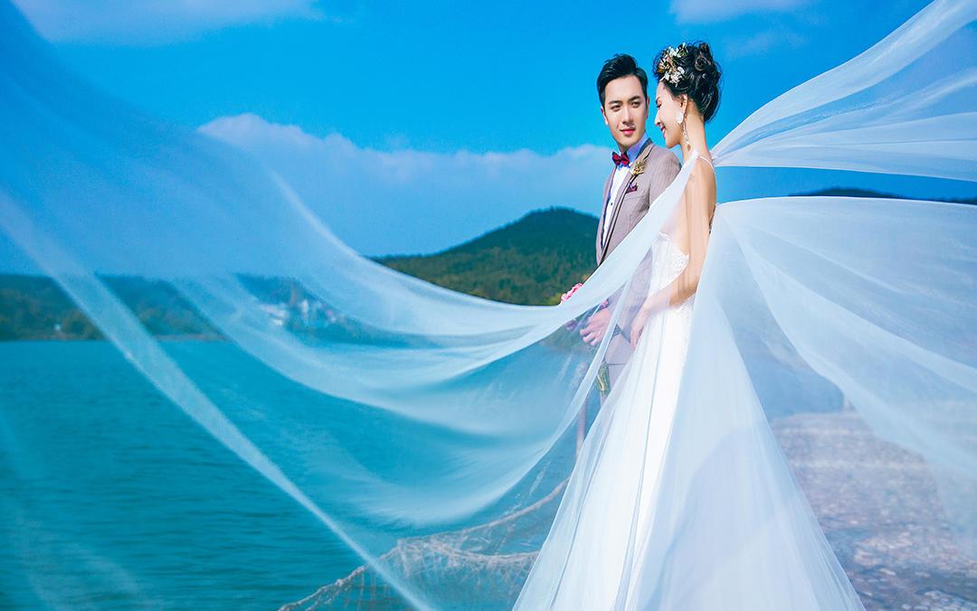 阁楼婚纱婚礼会馆---爱的约定
