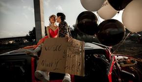 高级定制系列婚纱照--吉普车外景