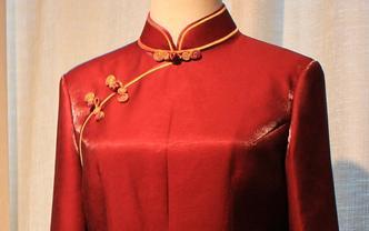 中国风新娘敬酒旗袍+帅气新郎西服三件套