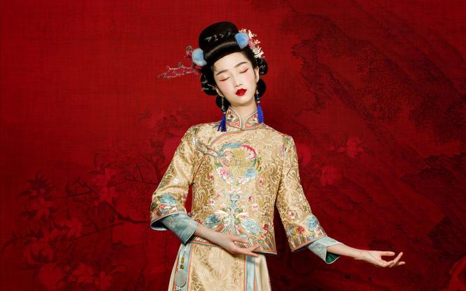 「春秋」茧迹原创香槟金手绣清雅中式礼服