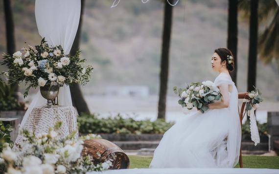 2人小型简约森系海边婚礼