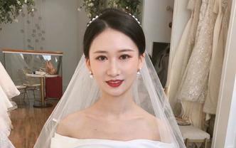 资深化妆师海南海口全岛新娘全天跟妆