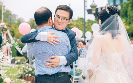 总监+助理 婚礼跟拍双机位现代简约风· 赠航拍