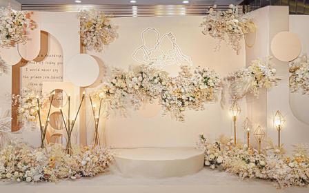佛山超美新娘--特惠爆款丨仅卖3套丨直降6000