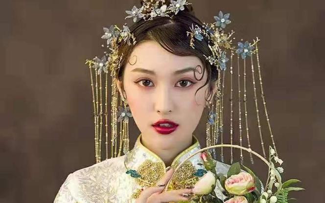 专家档新娘跟妆+跟拍(摄影摄像二选一)一线化妆产