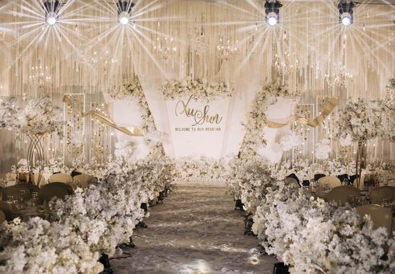 《琥珀之梦》梦幻香槟色含吊顶西式婚礼