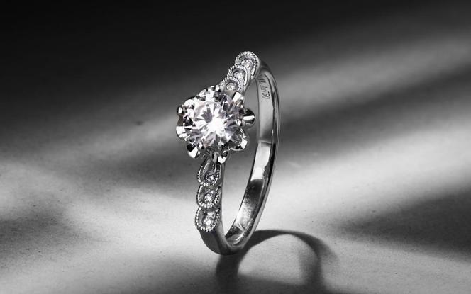 梵尼洛芙-维尔拉 简洁四爪求婚结婚钻戒