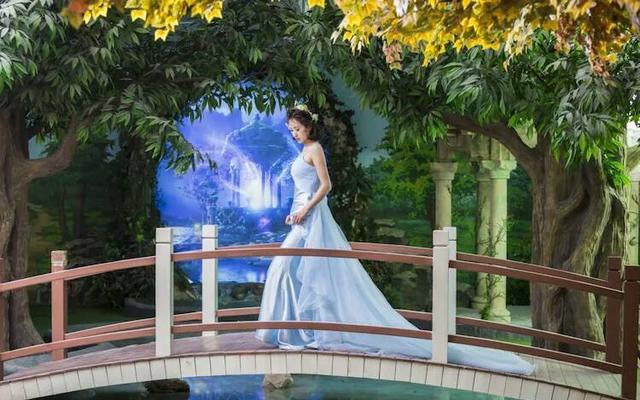 我们婚纱照出来啦,太喜欢了感谢薇薇新娘婚纱摄影