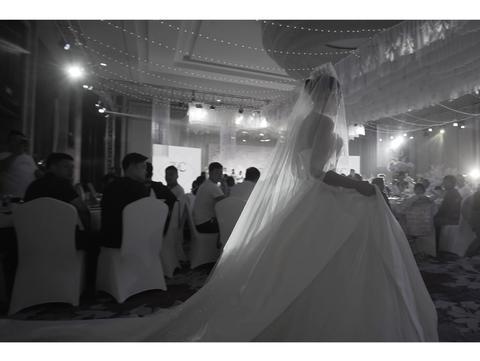 「三机位婚礼电影」+大摇臂+婚礼当天15s预告片