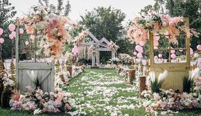 清新唯美 粉色系户外草坪婚礼