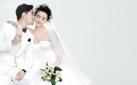 仅售2999元,价值6999微旅拍婚纱摄影。