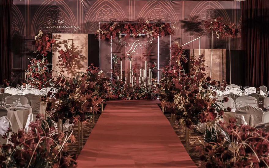 红色精致复古风主题婚礼(含司仪化妆摄影摄像)
