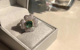 定做祖母绿钻石装饰戒带证书