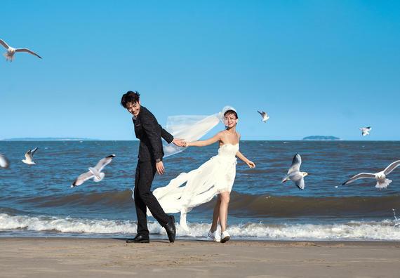【年终特惠】10服10造+送全新婚纱+全程一对一