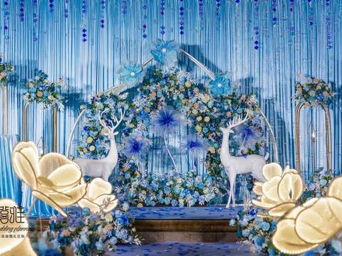 小预算高性价比唯美大气浪漫蓝白色系花海婚礼