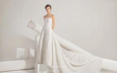 定制一袭纯手工制作的婚纱